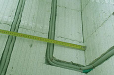 прокладка кабеля в штробе